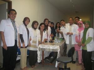 Dengan Teman Residen dan Konsulen Prof Muh. Ilyas